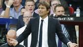 HLV Antonio Conte đang bị đặt vào tình huống khó khăn về nhân sự. Ảnh: Getty Images