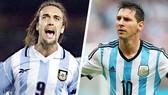Messi (phải) vượt qua kỷ lục ghi bàn của Batistuta. Ảnh Getty Images