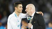 Ronaldo tạo nên kỷ lục, nhưng chỉ nhận được Quả bóng bạc. Ảnh: Getty Images.