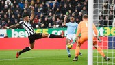 Tình huống Raheem Sterling ghi bàn duy nhất của trận đấu. Ảnh: Getty Images