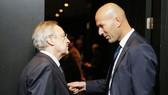 Zidane (phải) và Perez sẽ hết sức tỉnh táo trên trường chuyển nhượng. Ảnh Marca.