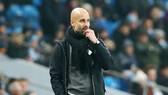 HLV Pep Guardiola cảm nhận áp lực trong giai đoạn cuối mùa. Ảnh: Getty Images
