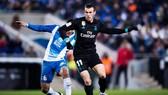 Bale (đen) không thể ghi bàn trước Espanyol. Ảnh: Getty Images