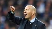 Zidane còn quá nhiều việc phải làm trước đại chiến với Liverpool. Ảnh: Getty Images