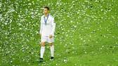 Ronaldo có vẻ không vui khi không ghi bàn tại trận chung kết. Ảnh: Getty Images