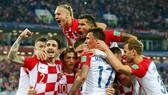 Luka Modric và đồng đội mừng ngày khởi đầu hoàn hảo. Ảnh: Getty Images