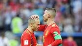 Iniesta chia tay đội tuyển, nhưng Ramos sẽ ở lại. Ảnh: Getty Images