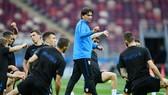 HLV Zlatko Dalic và học trò tập trung chuẩn bị quyết đấu tuyển Anh. Ảnh: Getty Images