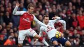 Arsenal (trái) và Tottenham sẽ có màn tái đấu nóng bỏng sau nửa tháng. Ảnh: Getty Images
