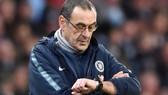 HLV Maurizio Sarri cảm nhận rõ thời gian của mình ở Chelsea đang ngắn dần. Ảnh: Sky Sports