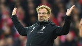 HLV Jurgen Klopp bất lực chứng kiến Liverpool bị Everton cầm hòa. Ảnh: Getty Images