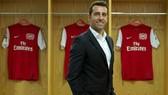 Edu ra mắt trong vai trò Giám đốc kỹ thuật mới của Arsenal. Ảnh: Getty Images