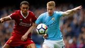 Kevin De Bruyne (phải) quyết tâm cùng Man.City xóa dớp Anfield. Ảnh: Getty Images