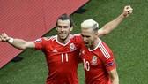 Gareth Bale và Aaron Ramsey hy vọng sẽ sẵn sàng cho thời khắc quyết định. Ảnh: Getty Images