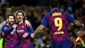 Messi đưa Barca vào vòng 1/8, Liverpool phải đợi sau kết quả hòa