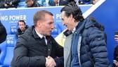Brendan Rodgers (trái) trong lần đánh bại Unai Emery mới đây. Ảnh: Getty Images