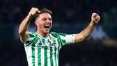 Lão tướng Joaquin tạo nên kỷ lục mà Lionel Messi khó chạm được đến. Ảnh: Getty Images