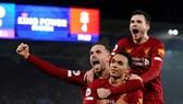 Liverpool đang tiến đi mà không lộ ra bất kỳ điểm yếu nào. Ảnh: Getty Images