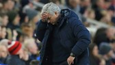 HLV Jose Mourinho thật sự đau đầu với hiện trạng của Tottenham. Ảnh: Getty Images