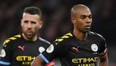 Fernandinho thất vọng sau thất bại tại Tottenham. Ảnh: Getty Images