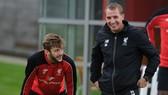 Adam Lallana và HLV Brendan Rodgers hợp tác ngắn ngủi ở Liverpool. Ảnh: Getty Images