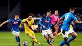 Napoli đã thành công hóa giải Lionel Messi ở lượt đi. Ảnh: Getty Images