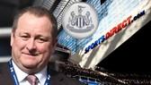 Ông chủ Mike Ashley tiếp tục có những quyết định nặng mùi tiền tại Newcastle. Ảnh: Daily Express
