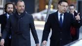 Sandro Rosell (trái) và Chủ tịch đương nhiệm, Josep Maria Bartomeu. Ảnh: Getty Images