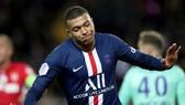 """Kylian Mbappe sẽ có giá chỉ bằng một cầu thủ """"hạng ruồi"""" cách đây gần 1 năm. Ảnh: Getty Images"""