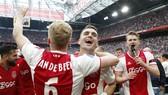 Mùa giải hủy bỏ và Ajax Amsterdam liệu sẽ bảo vệ danh hiệu? Ảnh: Getty Images