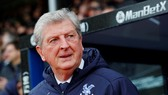 Nếu bóng đá trở lại, những HLV lớn tuổi như Roy Hodgson có thể vẫn không được phép làm việc. Ảnh: Getty Images