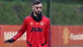 Bruno Fernandes đã trở lại Anh để sẵn sàng tập luyện. Ảnh: Getty Images