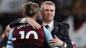 HLV Dean Smith cũng đang gặp khó khăn cùng Aston Villa ở mùa này. Ảnh: Getty Images