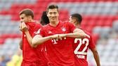 Robert Lewandowski tiếp tục phong độ ghi bàn xuất chúng để giúp Bayern tiến sát chức vô địch. Ảnh: Getty Images