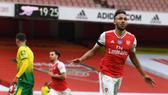 Pierre-Emerick Aubameyang chạm cột mốc 50 bàn nhanh nhất lịch sử Arsenal. Ảnh: Getty Images