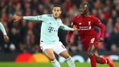 Thiago Alcantara khi đối đầu Liverpool ở Champions League. Ảnh: Getty Images