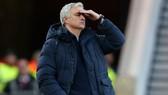 HLV Jose Mourinho cho rằng mang vinh quang đến sớm cho Tottenham là nhiệm vụ gần như không thể. Ảnh: Getty Images