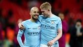 Kevin De Bruyne và David Silva còn 4 trận cuối để hoàn thành tham vọng Champions League. Ảnh: Getty Images