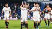 Sevilla cùng Real khiến UEFA lo âu, trong khi lịch trình play-off thăng hạng La Liga cũng rối tung vì Covid-19.