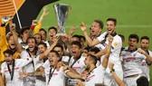 Sevilla chứng tỏ mình là vua của sân chơi hạng 2 của châu Âu. Ảnh: Getty Images