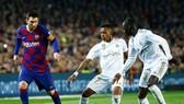 """""""Siêu kinh điển"""" đã ấn định ngày, nhưng Lionel Messi góp mặt hay không thì còn phải chờ. Ảnh: Getty Images"""