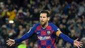 Lionel Messi vẫn dẫn đầu thu nhập của thế giới cầu thủ. Ảnh: Getty Images