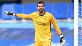 Alisson thừa nhận Liverpool vẫn đang cố tìm lại phong độ hủy diệt từng có ở đầu mùa giải trước. Ảnh: Getty Images