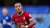Thiago Alcantara phải chờ để có thể đóng góp cho Liverpool vào giữa tháng tới. Ảnh: Getty Images