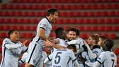 Chelsea đã hoàn thành nhiệm vụ vòng bảng sau chiến thắng 2-1 tại Rennes. Ảnh: Getty Images