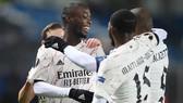 Nicolas Pepe giúp Arsenal dễ dàng vượt qua vòng bảng.