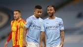 Gabriel Jesus và Raheem Sterling không thể gánh vác trọng trách ghi bàn khi Sergio Aguero vắng mặt. Ảnh: Getty Images