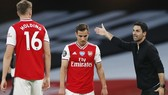 HLV Mikel Arteta đang chật vật giúp Arsenal vượt qua khủng hoảng. Ảnh: Getty Images