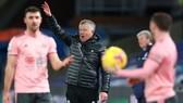 HLV Chris Wilder thừa nhận chỉ phép màu mới giúp Sheffield United trụ hạng. Ảnh: Getty Images