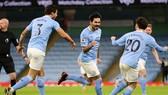 Man.City tiến bay cao và đe dọa ngôi đầu của Man.United. Ảnh: Getty Images